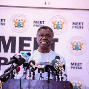 The Minister addressing the Press3